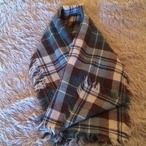 Accessories - Green/blue/brown plaid blanket scarf